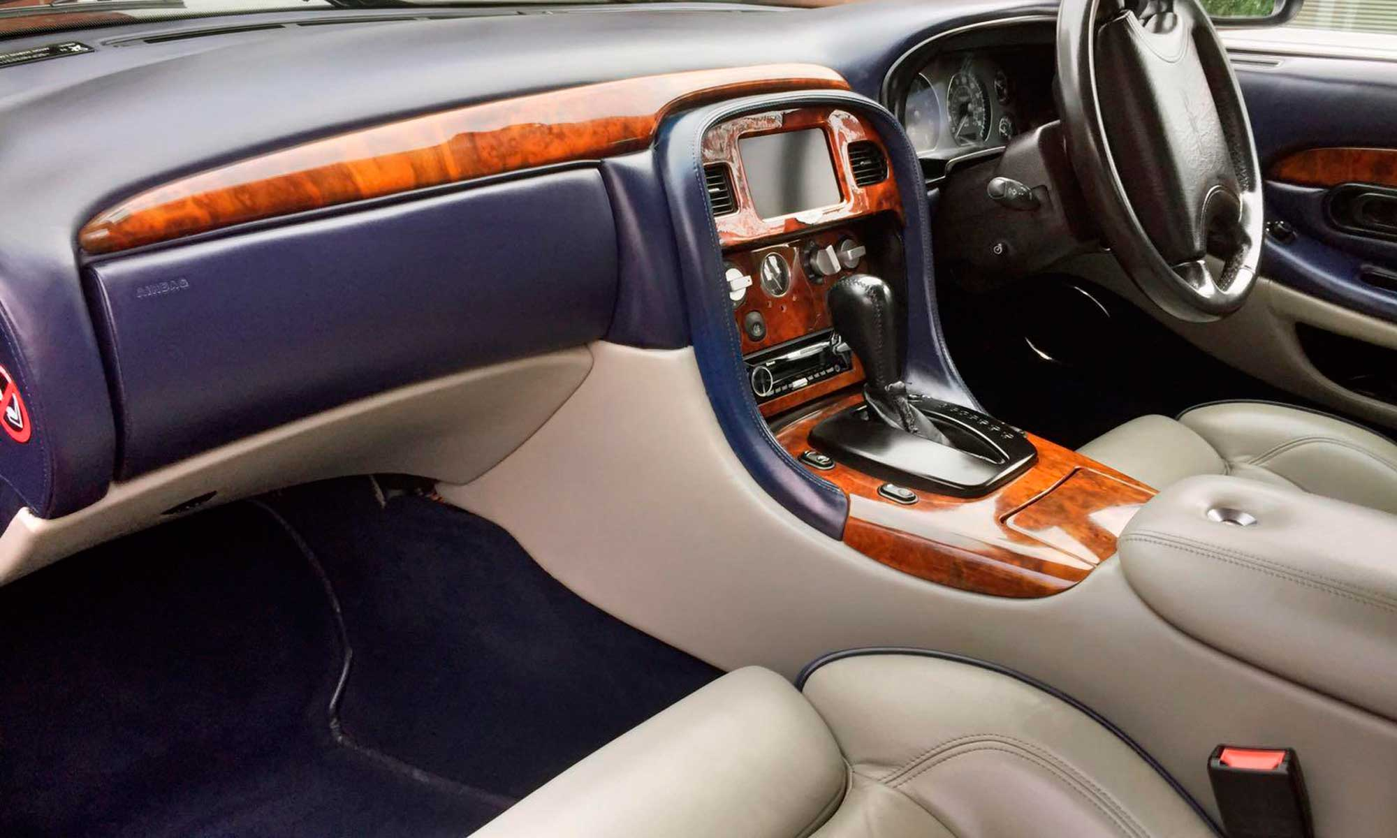 Aston Martin Rental in the north of England: Vantage interior